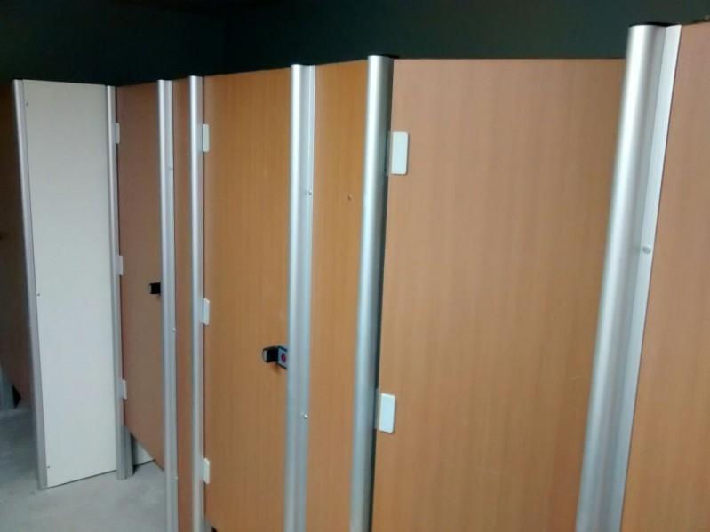 Divisória para Banheiro Pequeno Paragominas - Divisória de Banheiro de Universidade