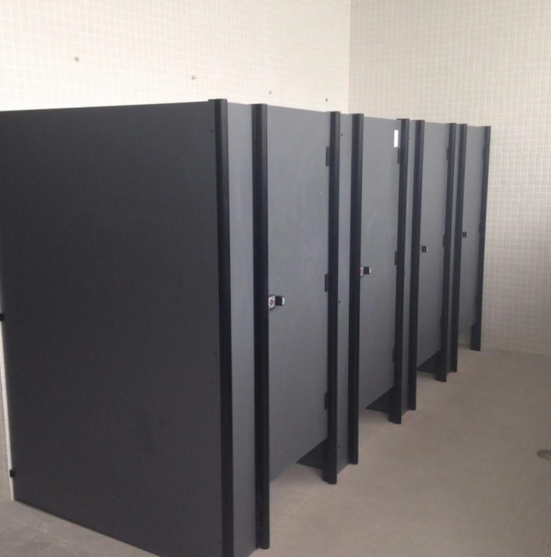 Divisória para Banheiros Coletivos Preços Trindade - Divisória de Banheiro de Vidro