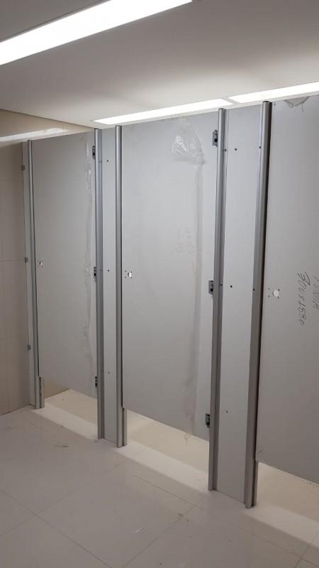 Divisória para Banheiros Coletivos Sapiranga - Divisória de Banheiro de Vidro