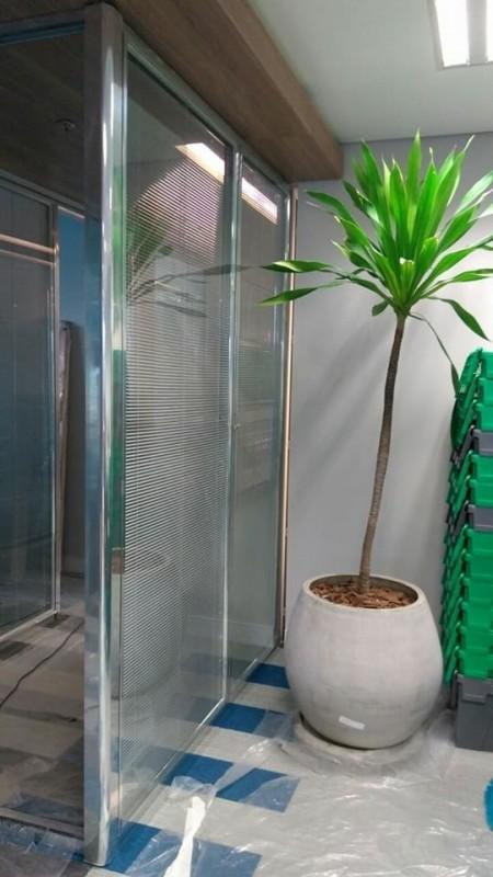 Divisória Piso Teto para Empresa Orçar São Bento - Divisória de Vidro Piso Teto