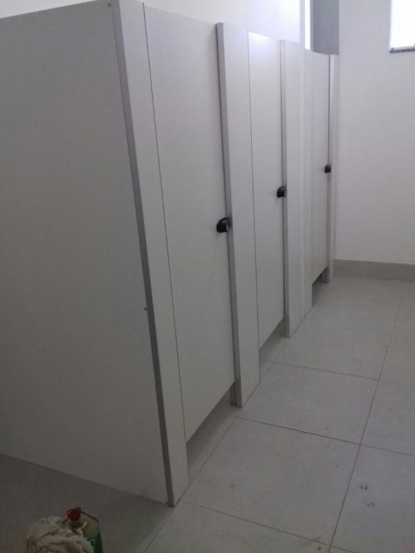 Divisória Sanitária Alcoplac Plus Pontão - Divisória de Banheiro Público