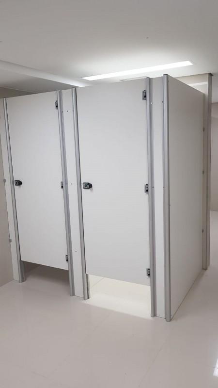 Divisórias de Banheiro de Universidade Espírito Santo - Divisória de Banheiro Escolar