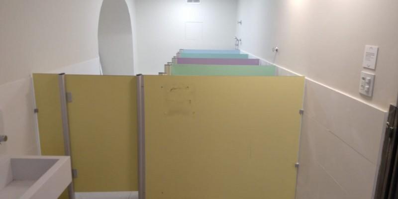 Divisórias Sanitárias Alcoplac Metropolitana de Curitiba - Divisória de Banheiro Escolar