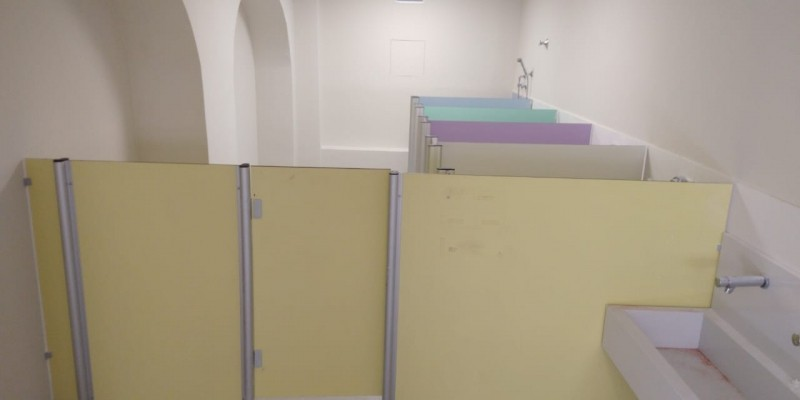 Divisórias Sanitárias para área Molhada Cristalina - Divisória de Banheiro de Vidro
