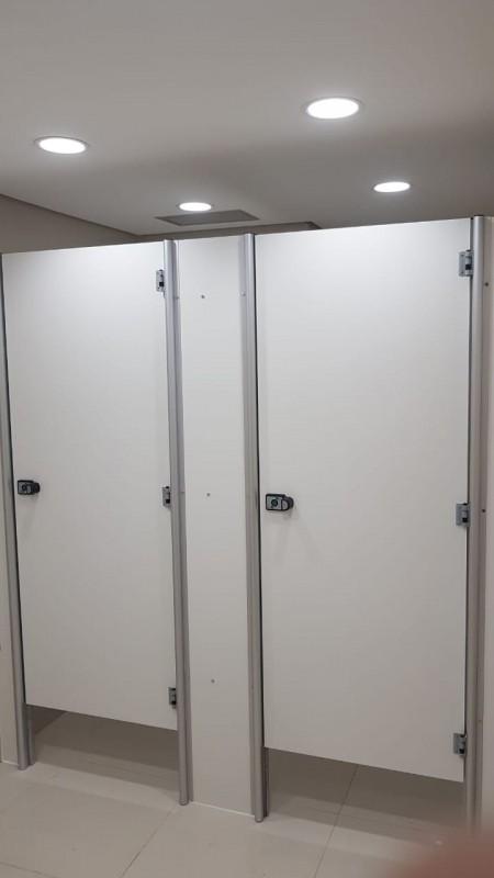 Onde Encontrar Divisória Sanitária Alcoplac Brumado - Divisória de Banheiro Escolar