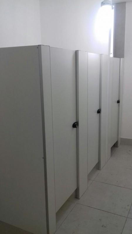 Quanto Custa Divisória Sanitária para Chuveiro Formoso do Araguaia - Divisória de Banheiro Escolar