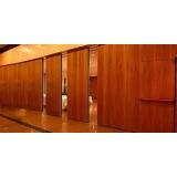 divisória de madeira com vidro Triunfo