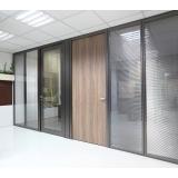 divisória piso teto com vidro duplo orçar Jacutinga
