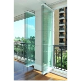 divisórias de vidro com porta Nova petropolis