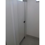 divisórias sanitárias para chuveiro Méier