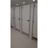 onde encontrar divisória para banheiros coletivos Três Lagoas